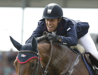 Maikel van der Vleuten springt Parcours auf Fjordpferd