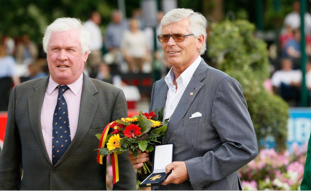 DRFV Ehrenpräsident Wolfgang Brinkmann, hier mit FN-Präsident Breido Graf zu Rantzau